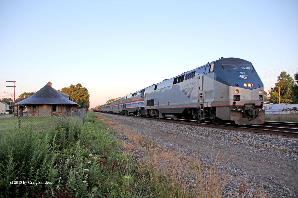 Amtrak at Painesville3-x